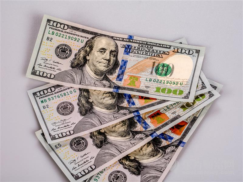 美联储:就业仍需一些进展才能撤走经济支持
