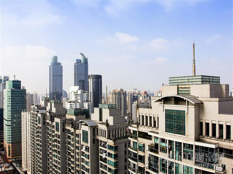 深圳355米赛格大厦突发晃动 近15000人紧急疏散!不是地震 也不是大风?晃动原因待查明