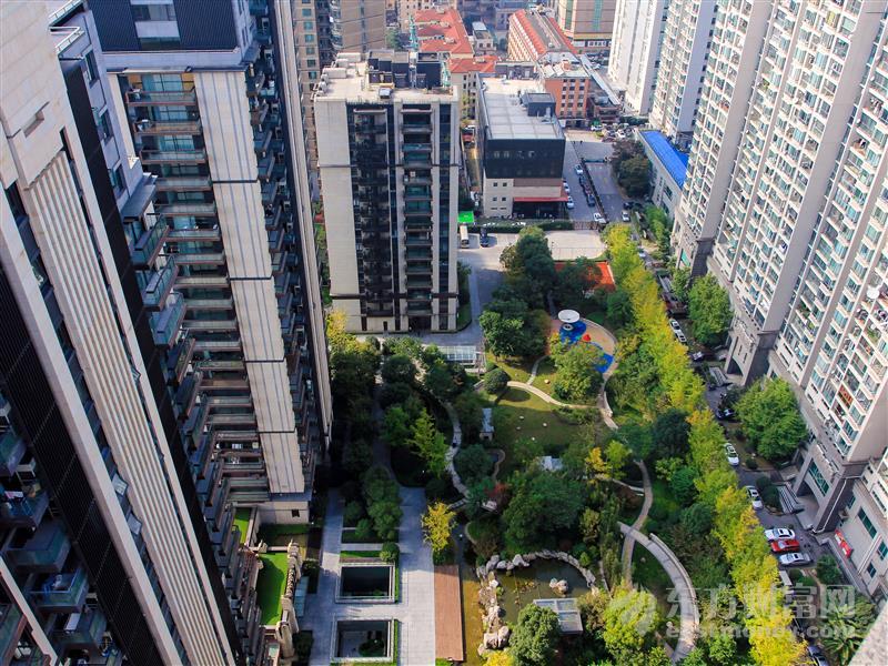 """上海楼市""""降杠杆"""":房贷全面收紧 24张涉房融资罚单敲""""警钟"""""""