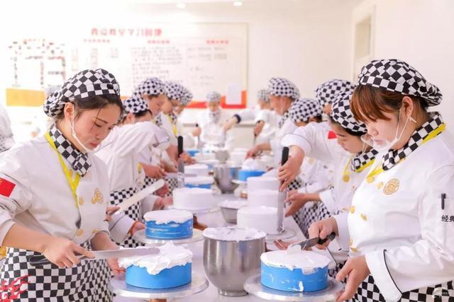 又一个新东方上市,不要看不起职校,教人炒菜也能赚10个亿