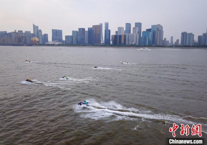 杭州钱塘江沿岸。(资料图)