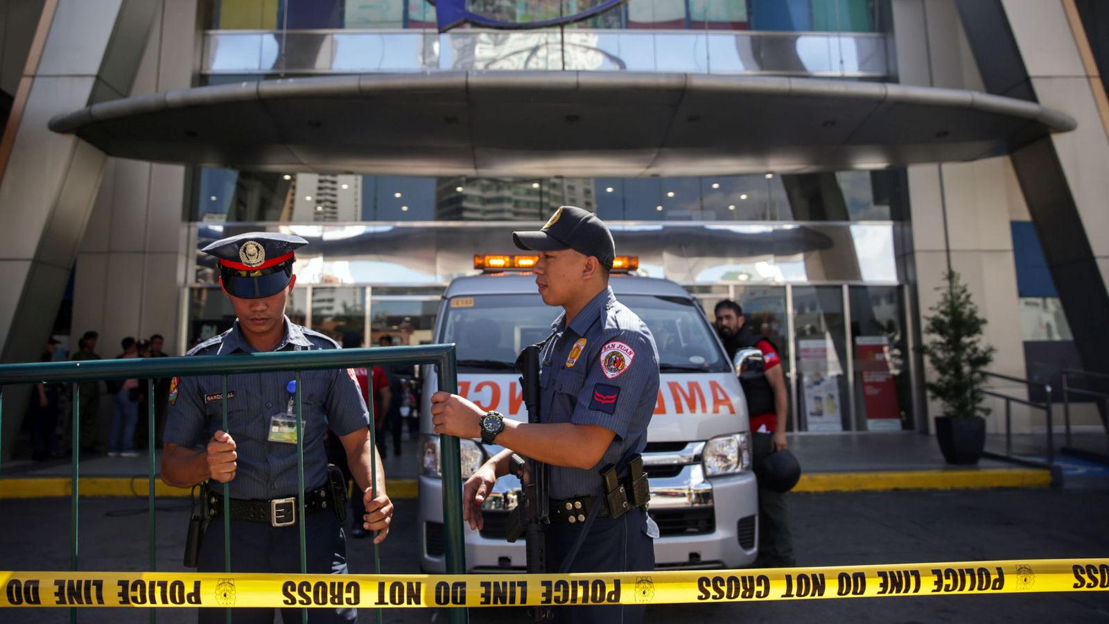 菲律宾一商场发生劫持事件:嫌犯因被解雇感到糟糕