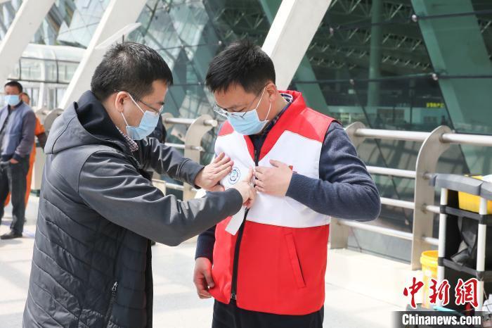 中国科大附一院两名专家赴伊朗协助疫情防控