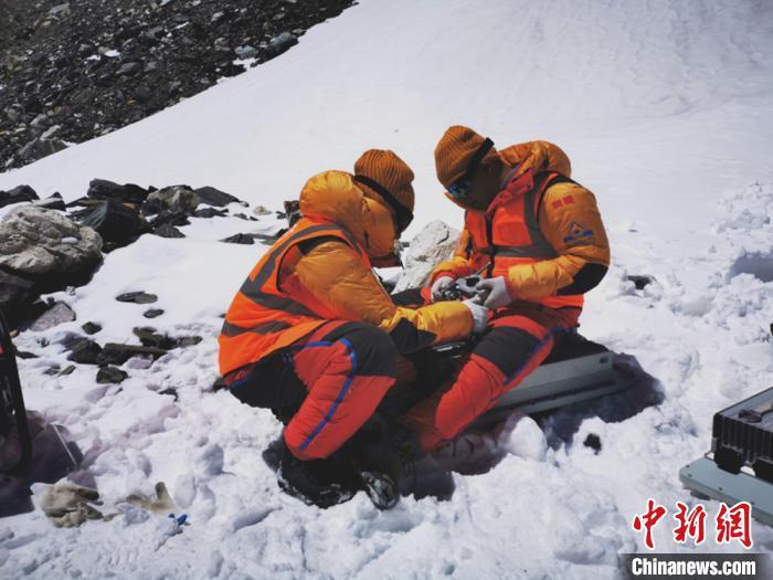 中国实现5G信号登顶珠穆朗玛峰