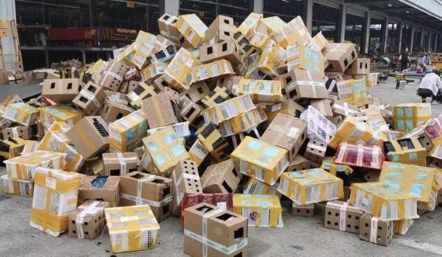 河南漯河大量动物滞留物流园死亡:快递活物属违法 当地开放领养