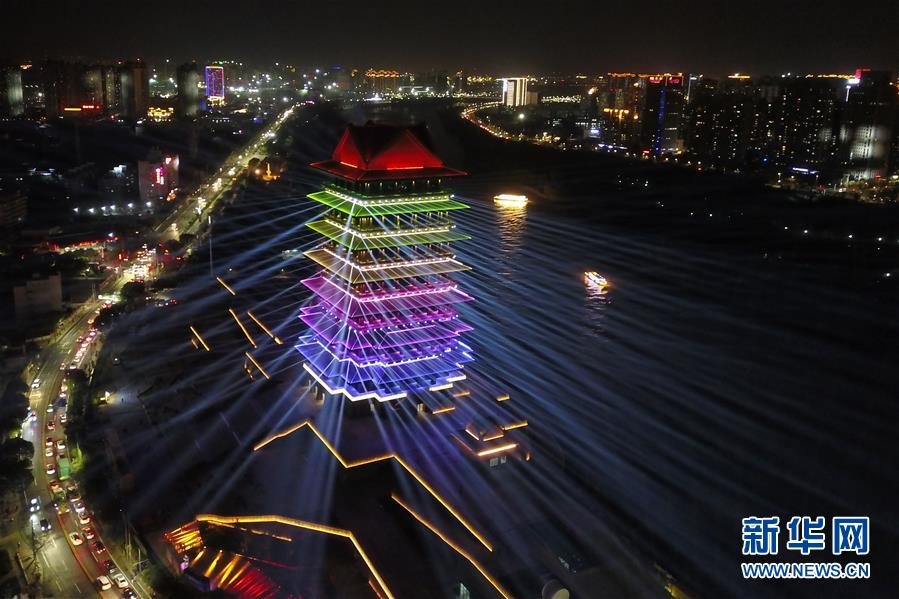 (社会)(4)兰州:黄河楼点亮黄河之滨新坐标