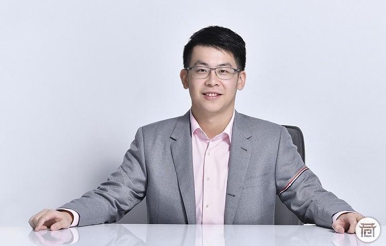 """24岁 身家百亿!中国小伙成全球最年轻富豪第二名 原来背后有""""高人""""指点"""