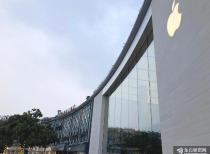 热搜第一!中国用户把苹果官网买崩了!iPhone13秒光!加量不加价真香?