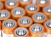 工信部副部长辛国斌:中国新能源车成本偏高 将统筹保障动力电池资源供应