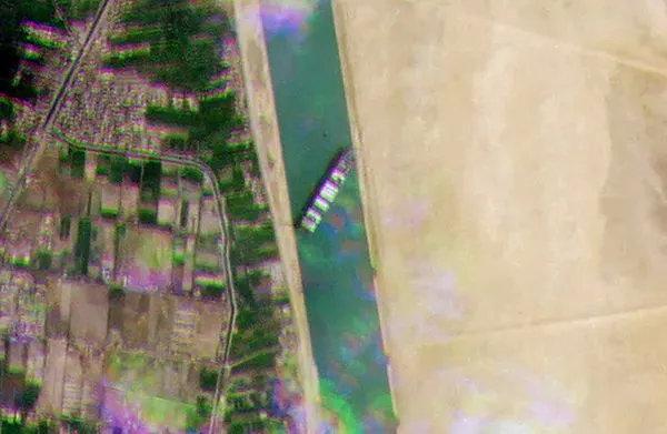 苏伊士运河今天恢复运营 长赐号将完全上浮